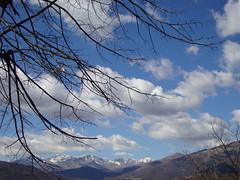 Da San Rocco (ba.sa74) Tags: innamoratidelbiellese mezzanamortigliengo sanrocco panorama cielo sky ambiente alberi nuvole paesaggio montagne neve profili