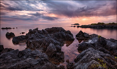 perchè ... (Gio_guarda_le_stelle) Tags: seascape sunset sea water nature peaceful quiet maratea mare quiete atmosphere i 4 tripod canon pink spring pace