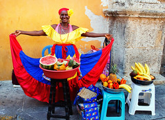 Fruit Vendor, Cartagena, Colombia (klauslang99) Tags: klauslang travel streetphotography fruit vendor cartagena colombia woman colourful colorful caribean