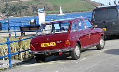 1981 Austin Maxi 1750 (occama) Tags: lrl45x austin maxi 1981 old car cornwall uk british bmc leyland sun sea boats harbour red damask