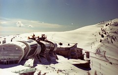 (kapa☆) Tags: om2 zuiko50mm14 zuiko snow spring malcesine montebaldo olympus olympusom2 analog analogue analogico analoguephotography autaut expiredfilm 35mm film trekking mountains