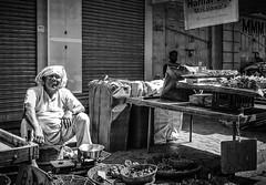 Mumbai (LXXIX) (manuela.martin) Tags: schwarzundweis streetphotography bw blackandwhite mumbai india people peoplephotography foreignpeople hipshots leicammonochrom leica leicamonochrom leicam