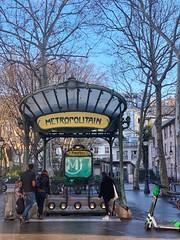 Place des Abbesses (marc.barrot) Tags: shotoniphone artnouveau limescooter architecture hectorguimard métro france paris 75018 montmartre métroabbesses placedesabbesses