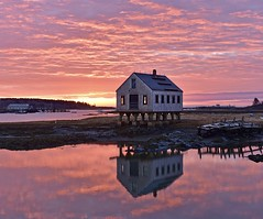 Sunrise reflection (Robert Dennis Photography) Tags: reflections sunrise maine kennebunkport capeporpoise