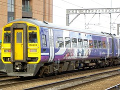 158902 (Rob390029) Tags: northern rail class 158 158902 leeds railway station lds