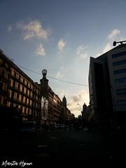 Barcelona (Marta Hyun) Tags: barcelona bcn city urban urbano ciudad street streetart streets beautiful bonito buildings building cielo clouds cute sky sunset sunny turism turismo cars car
