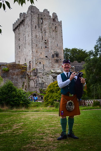Bagpipe Man in Blarney Castle