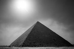 Great Pyramid of Giza, Egypt (pas le matin) Tags: sky ciel architecture travel voyage world egypt égypte afrique africa giza gizeh cairo lecaire pyramid pyramide greatpyramidofgiza pyramidofkhufu pyramidofcheops khufu cheops pyramidedekhéops grandepyramidedegizeh antique antiquity antiquité canon 7d canon7d canoneos7d eos7d nb bw noiretblanc blackandwhite monochrome