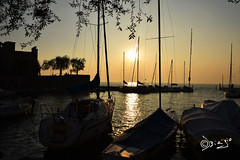 Torri del Benaco - Italy (Biagio ( Ricordi )) Tags: torridelbenaco lago lake garda tramonto sunset barca italy