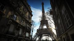 La tour Eiffel (Boutillier Geoffrey) Tags: paris tour eiffel monument france travel arts gx7 panasonic ciel nuage rue panam street haussmann 818 wide angle grand