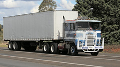 Cabover KENWORTH Brothers (2/6) (Jungle Jack Movements (ferroequinologist)) Tags: k123 k100 k 125 121 k121 kw kenny kenworth single ken highway hauling haulin hume sydney 2019 yass classic historic vintage veteran hcvca vehicle run hp horsepower big rig haul haulage freight cabover trucker drive transport delivery bulk lorry hgv wagon nose semi trailer deliver cargo interstate articulated load freighter ship move roll motor engine power teamster tractor prime mover diesel injected driver cab wheel