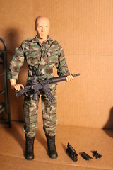 IMG_0146 (darqq_seraphim) Tags: barbie friends dolls military militaryactionfigure militaryplayset worldpeacekeepers 16scaleactionfigure 30pointsarticulation clicknplay