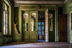 Majestic (skyphotographie) Tags: abandoned abandonedplaces abandonné abandonedbuildings abandonedcastle chateau chateauabandonné decay bando