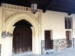 abaceria soportal calle Nueva de los Capellanes Guadalupe Caceres (Rafael Gomez - http://micamara.es) Tags: abaceria soportal calle nueva de los capellanes guadalupe caceres