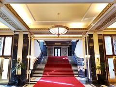 Hotel International Prag (Berliner1963) Tags: architecture architektur sozialistischerrealismus socialrealism dejvice tschechien böhmen cz czechrepublic prag praha prague hotel hotelinternational lobby roterteppich redcarpet red rot