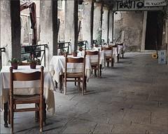 Al Vagon - Venezia (Aellevì) Tags: portico tavoli vuoto nessuno carrello ristorante