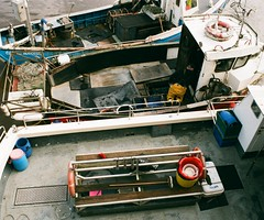 22a Whitby boats (I ♥ Minox) Tags: film 2019 fuji superia fujicolorsuperia fujicolor 200asa c41 olympus olympusom2n om2n om2 olympusom2 om2709 whitby northyorkshire