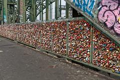 Köln Hohenzollernbrücke Schlösser (Rolf Majewski) Tags: köln hohenzollernbrücke schlösser brücke