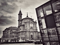 They are observed every day ...  (Fossano, Piedmont, Italy). (Federico Fulcheri Photo) Tags: federicofulcheriphoto© italy piedmont fossano visit tourism travel day town citylife city reflexes religion belltower church glass blackandwhite architecture nopeople outdoors snapseed iphonexsmax iphone apple