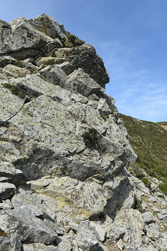 Agios Dikeos - schist cliff