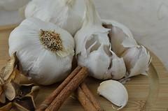 GARLIC (Duncan Disorderly2011) Tags: still life garlic vegetable close up nikon d7000