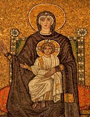 Ravenna - Sant'Apollinare Nuovo 6 (antonella galardi) Tags: emilia romagna ravenna 2018 natale mosaici paleocristiano bizantino santapollinarenuovo chiesa