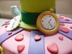 Torta Alice nel paese delle meraviglie (dolciefantasia) Tags: biscotti cake cakedesign cakepops compleanno cupcake decorazione dolci dolciefantasia fantasia festa pastadizucchero torta