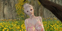 Field of greens (AlanaXxo) Tags: genus sunflower flower flowers sun trees geen landscape portrait yellow sintiklia moon amore moonamore daisy plastic michelle hair new release collab 88 moccino beaute lipstick eyeshadow ariana tres beau blonde light