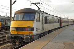 90010 (Rob390029) Tags: abellio greater anglia class 90 90010 norwich railway station nrw train