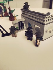 Spartan getting info about the situation (hakanbudak93) Tags: lego halo unsc