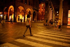 Voyage en Italie 2018   0846 (Distagon12) Tags: italy italia italie sonya7rii summilux street streetphoto strada rue night nuit nightphoto nacht notte noche wideaperture bologna bologne