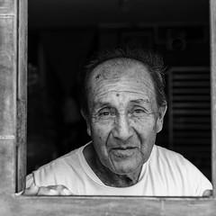 Man in the Window (_aires_) Tags: aires iris man window doorway friendly somosperupoliticalparty portrait canoneos5dmarkiv canonef2470mmf28liiusm carquín carquínhuacholimaperu