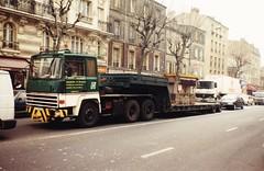 Berliet TRH 350 Transports Dessirier - Zucconi 6729 ED 94 St Mandé (94 Val de Marne) 1990a (mugicalin) Tags: années90 1990 camion truck lkw frenchtruck classictruck greentruck camionvert 6x4 convoiexceptionnel tracteurroutier semiremorque semitrailer berliet camionberliet berliettr350 tr350 v8 v8motor v8engine v8power moteurv8 transportexceptionnel exceptionaltransport heavyhaulage stmandé valdemarne 94 transportsdessirierzucconi 6729 ed dessirierzucconi 10fav berliettrh350