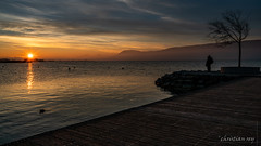 Coucher de soleil sur la plage de Gletterens (Switzerland) (christian.rey) Tags: lacdeneuchatel lac neuchâtel gletterens broye plage coucherdesoleil sunset sony a7r2 a7rii 1635