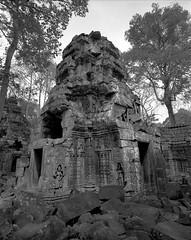 1105 (The Dent.) Tags: cambodia siem reap mamiya 7ii acros hc110 5 mins dilution b