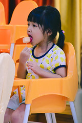 Yummy (Zero'sPhoto) Tags: portrait child cute adorable 人像 小孩