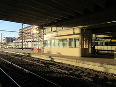 Platform, late afternoon sunlight, railway station, Namur, Belgium (Paul McClure DC) Tags: belgium belgique wallonie wallonia feb2018 namur namen ardennes railroad railway historic architecture