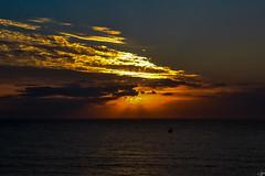 (susocl1960) Tags: paisaje costa mar sol nube amanecer chorrillo