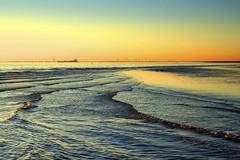 Westerschelde bij Waarde (Omroep Zeeland) Tags: westerschelde waarde slik wolken wolkenlucht scheepvaart zonsondergang sunset vogels watervogels eenden