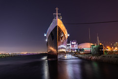 Front View of Queen Mary at Night (SCSQ4) Tags: bow california christmas christmasinmyhometown christmasnight longbeach night nightphotography queenmary reflection ship