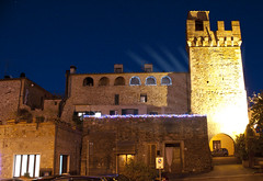 Notte di luce ad Istia d'Ombrone - Night of light at Istia d'Ombrone (ricsen) Tags: italia italy toscana tuscany istia ombrone grosseto maremma medioevo middle ages medievale medieval