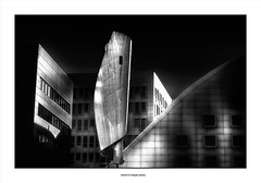 Lines, Curves and Street Art ... (michel di Méglio) Tags: