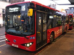 A more interesting type of electric for the indirect link to Angel. This over the E200ev units every time. | Go-Ahead London BYD K8UR on the 153 to Moorgate, Finsbury Square. (alexpeak24) Tags: moorgatefinsburysquare finsburypark k8ur byd electricbus 153 london goahead