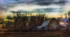 Evening glow.... (Sherrianne100) Tags: barn evening glow ozarks missouri
