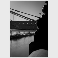 chelsea embankment (pete gardner) Tags: chelseaembankment chelsea london uk albertbridge batterseabridge cadoganpier