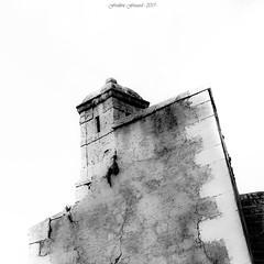 Abstract Bulwark (série 1/2) (Frédéric Fossard) Tags: monochrome noiretblanc blackandwhite fondblanc art abstrait surréaliste texture abstract surreal rempart mur wall échauguette citadelle citévauban bulwark briançon hautesalpes monument architecture