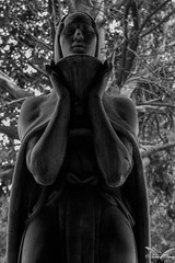 Genova, Cimitero Monumentale di Staglieno (Sven Kapunkt) Tags: friedhof friedhöfe gräber grab graveyard grabmal grabstätte gothic genova genua cemetery cemeteries cimetière campo cimitero certosa italia italien ligurien liguria statue staglieno