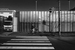P4065119A Urban space (soyokazeojisan) Tags: japan osaka street city people bw blackandwhite monochrome digital olympus em1markⅱ 12100mm 2019