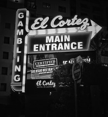 Main Entrance (podolux) Tags: 2019 april2019 sony sonya7 a7 sonyilce7 ilce7 lasvegas nevada nv clarkcounty elcortez elcortezhotel blancoynegro blackandwhite bw duochrome monochrome roadtrip sign signs nighttime night afterdark neonsign neon fontspotting font