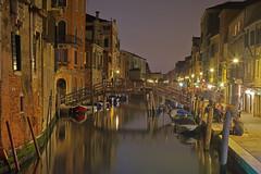 Una sera a Venezia / A night in Venice (Venice, Veneto, Italy) (AndreaPucci) Tags: cannaregio venice veneto venezia night canal italy italia andreapucci ghetto